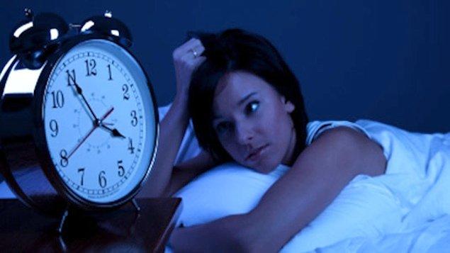 Pessoas que dormem menos de seis horas por noite têm 4,2 vezes mais chances de ficarem resfriadas