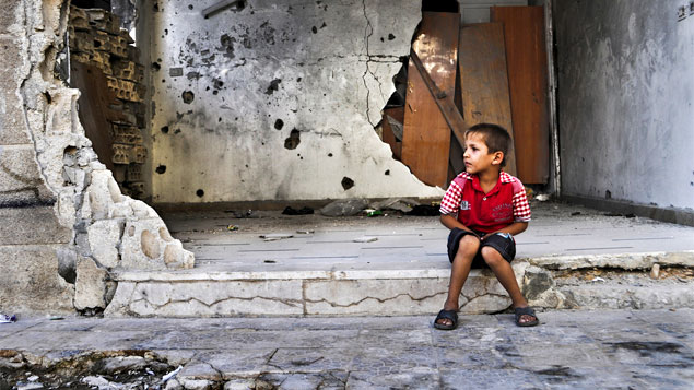A guerra civil na Síria deixa um saldo de mais de 5 milhões de menores refugiados ou deslocados